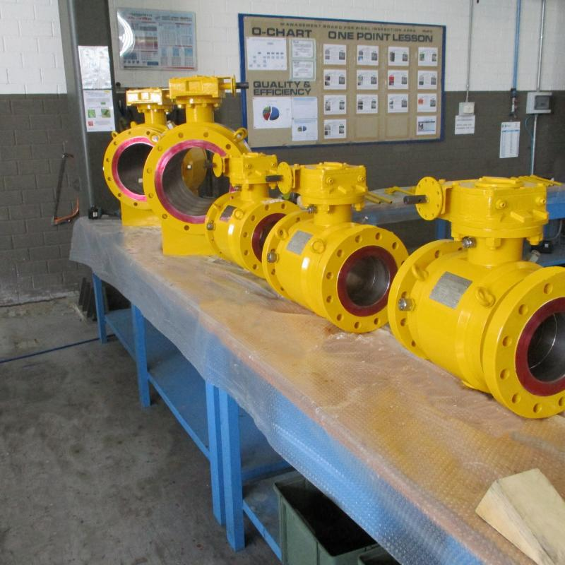 Fully welded trunnion ball
